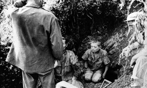 13.ひそんでいた穴の中から出て来た日本兵