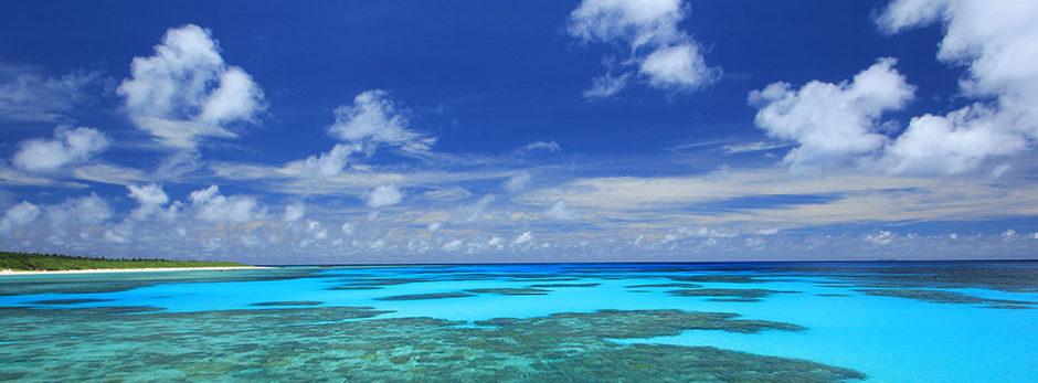 1.見渡す限りの空と海、そして珊瑚礁