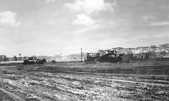 14.沖縄戦の最中、アメリカ軍は約一万人が住んでいた集落をブルドーザーで整地し、普天間飛行場を建設した