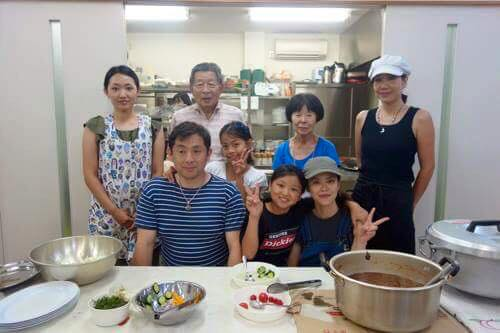 昼食、夕食を担当してくださった大江さんグループ!プロのシェフです。