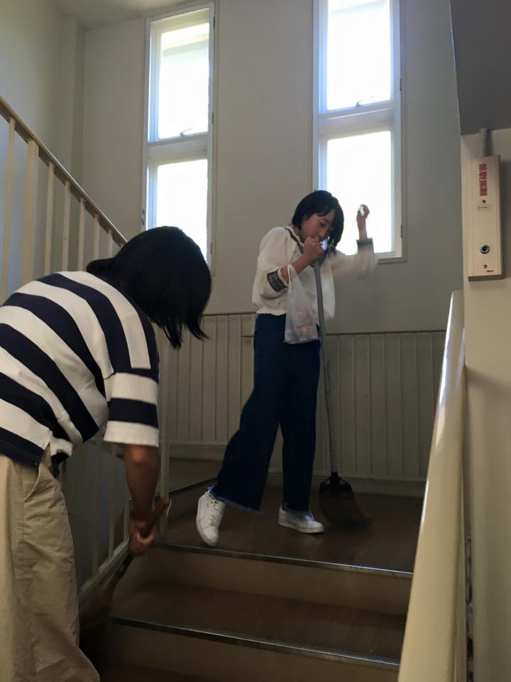 残りスタッフで夕方まで宿泊施設の大掃除